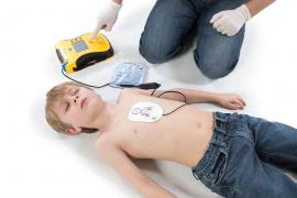 Defibrillator: What it is?, How Does It Work?, And Its Uses